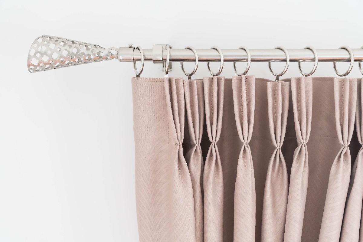 Zasłony w sypialni - materiał, ceny i inspiracje