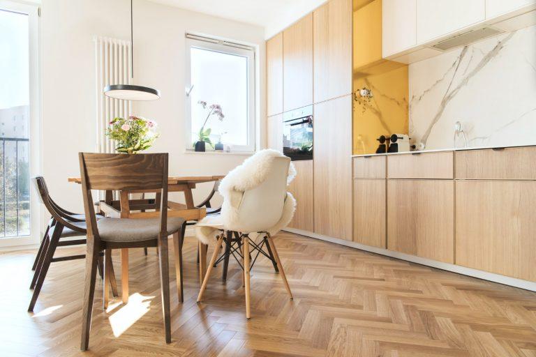 Jak urządzić jadalnię w małym mieszkaniu?