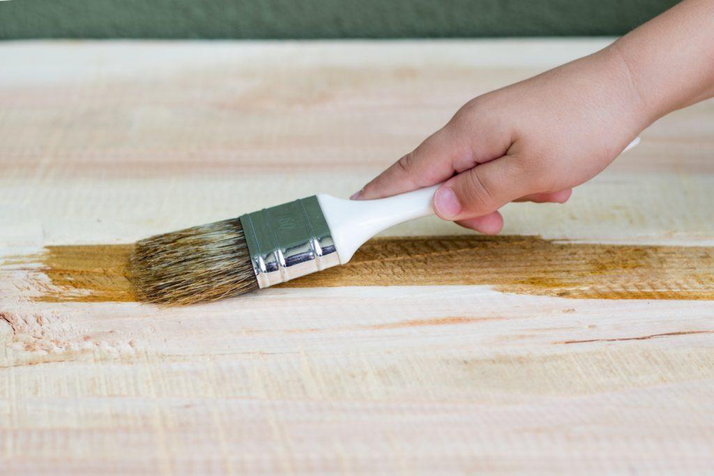 Czym wykończyć drewniany blat w kuchni?