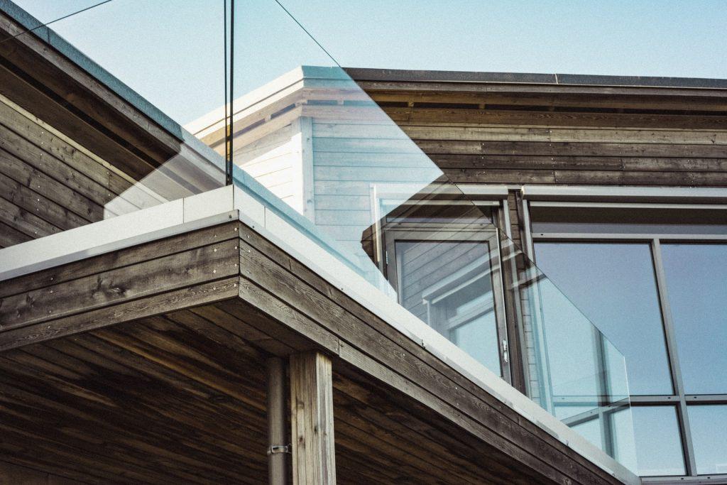 Czy można ubezpieczyć dom z drewna?