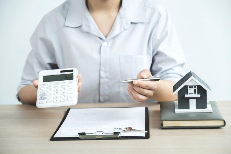 Jak sprzedać mieszkanie z kredytem?